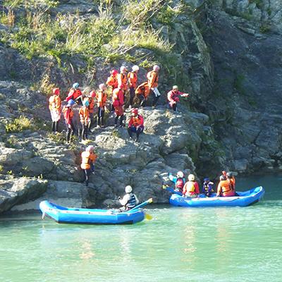 奈良吉野川の高い岩の上からの飛び込みができるかも
