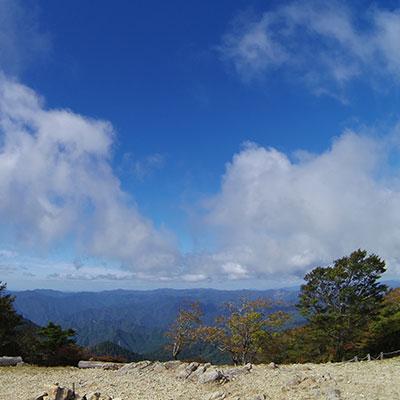 大台ヶ原から眼下に見えるのは台高山脈
